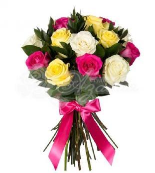 Букет из 15 Эквадорских разноцветных роз
