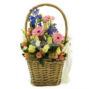 Корзина шикарных цветов