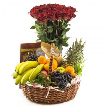 Набор из Фруктов, конфет и цветов