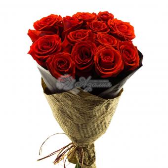 Букет из 13 бордовых роз